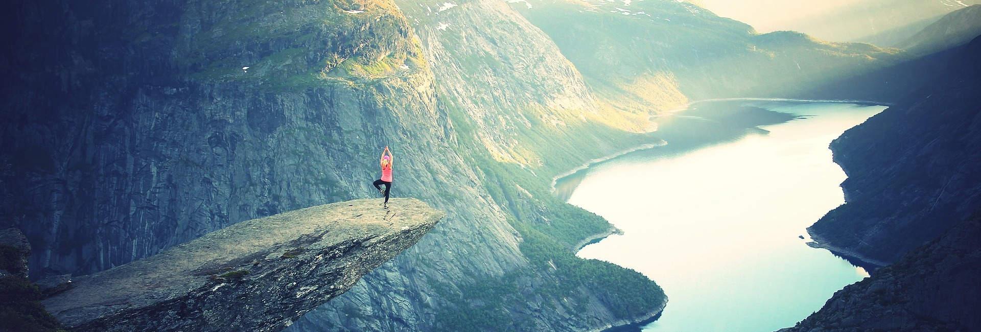 Cours de Hatha yoga à la montagne